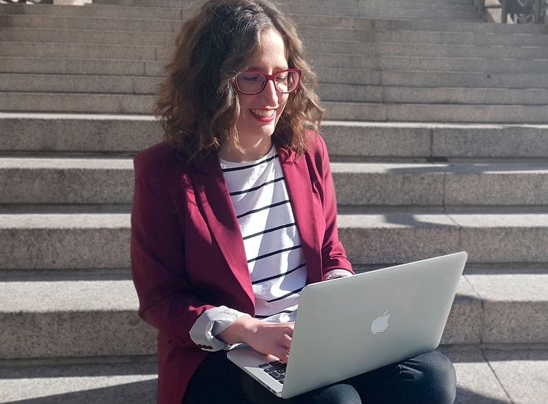 Leonor Cañuelo Administración y Dirección de empresas, y especializada en Marketing Online y Diseño Web